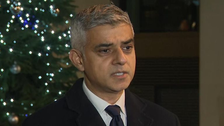 "The Mayor of London, Sadiq Khan, thanks the members of the public who helped during the attack on London Bridge for their  ""breathtaking heroism""."