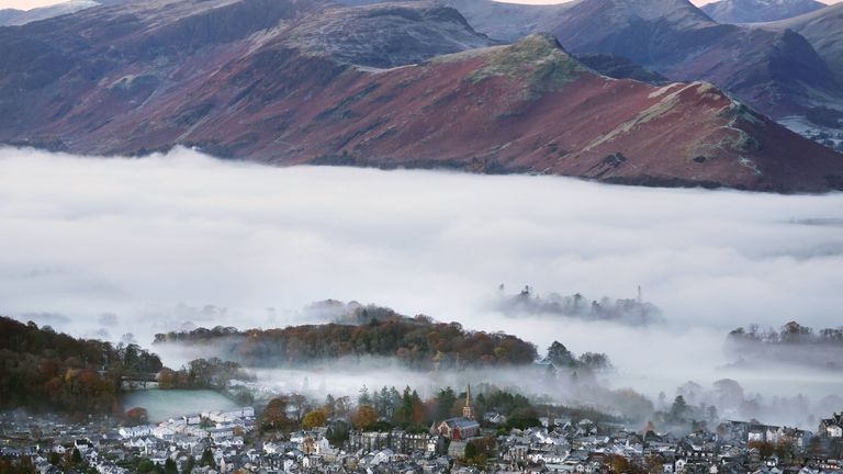 A foggy Keswick in the Lake District where the temperature dropped to -2 ° C (28.4f)