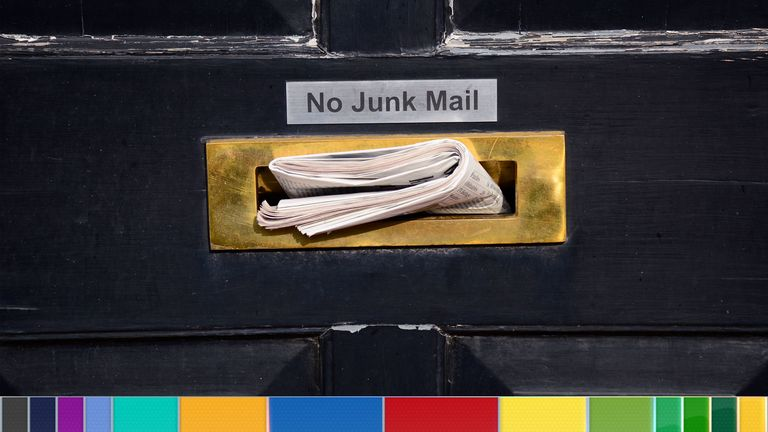LONDON, ENGLAND - SEPTEMBER 25, 2017:  A sign on a front door near a mail slot asks the postman to refrain from delivering 'junk mail' to a home in London, England. (Photo by Robert Alexander/Getty Images)