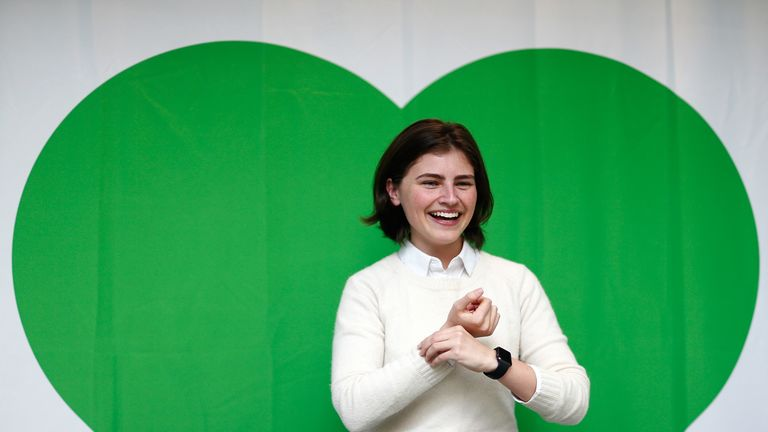 Chloe Swarbrick has had a mixed response on Twitter