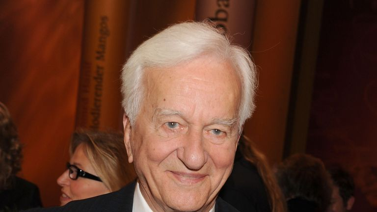 Richard von Weizsaecker died in 2015