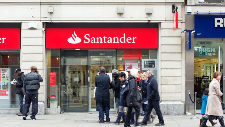 Santander failed to text customers who had gone into unarranged overdrafts