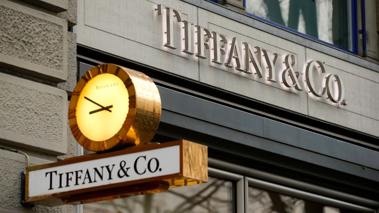 Tiffany snapped up by Louis Vuitton owner for $16bn