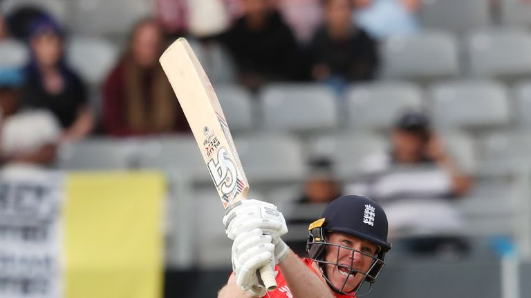 Nasser Hussain says England got their thinking spot in the series-deciding Super Over - but that New Zealand made mistakes.