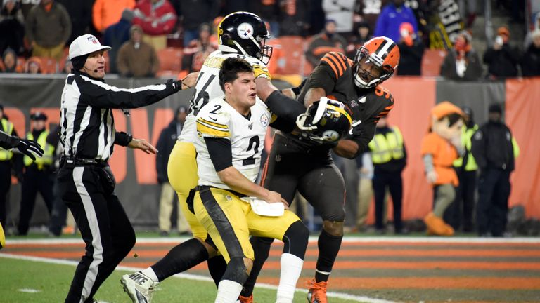Steelers bench Mason Rudolph for Devlin Hodges after brutal start