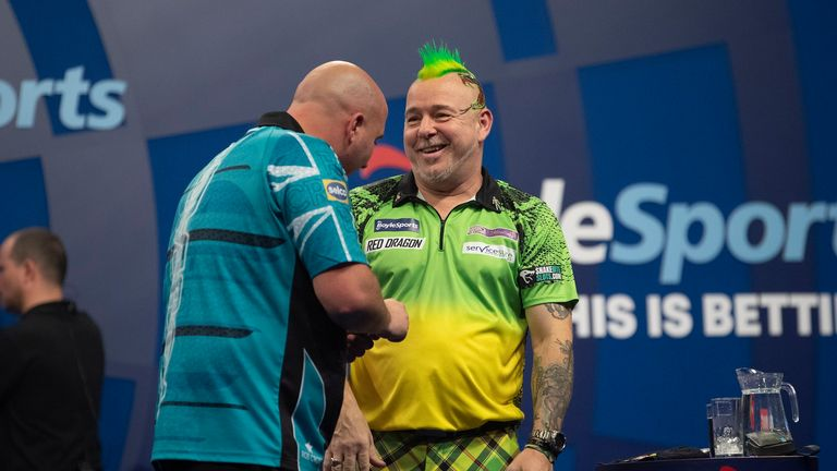 BOYLE SPORTS GRANDSLAMOF DARTS 2019.ALDERSLEY LEISURE VILLAGE,WOLVERHAMPTON.PIC LAWRENCE LUSTIG.ROUND 2.PETER WRIGHT V ROB CROSS.PETER WRIGHT IN ACTION