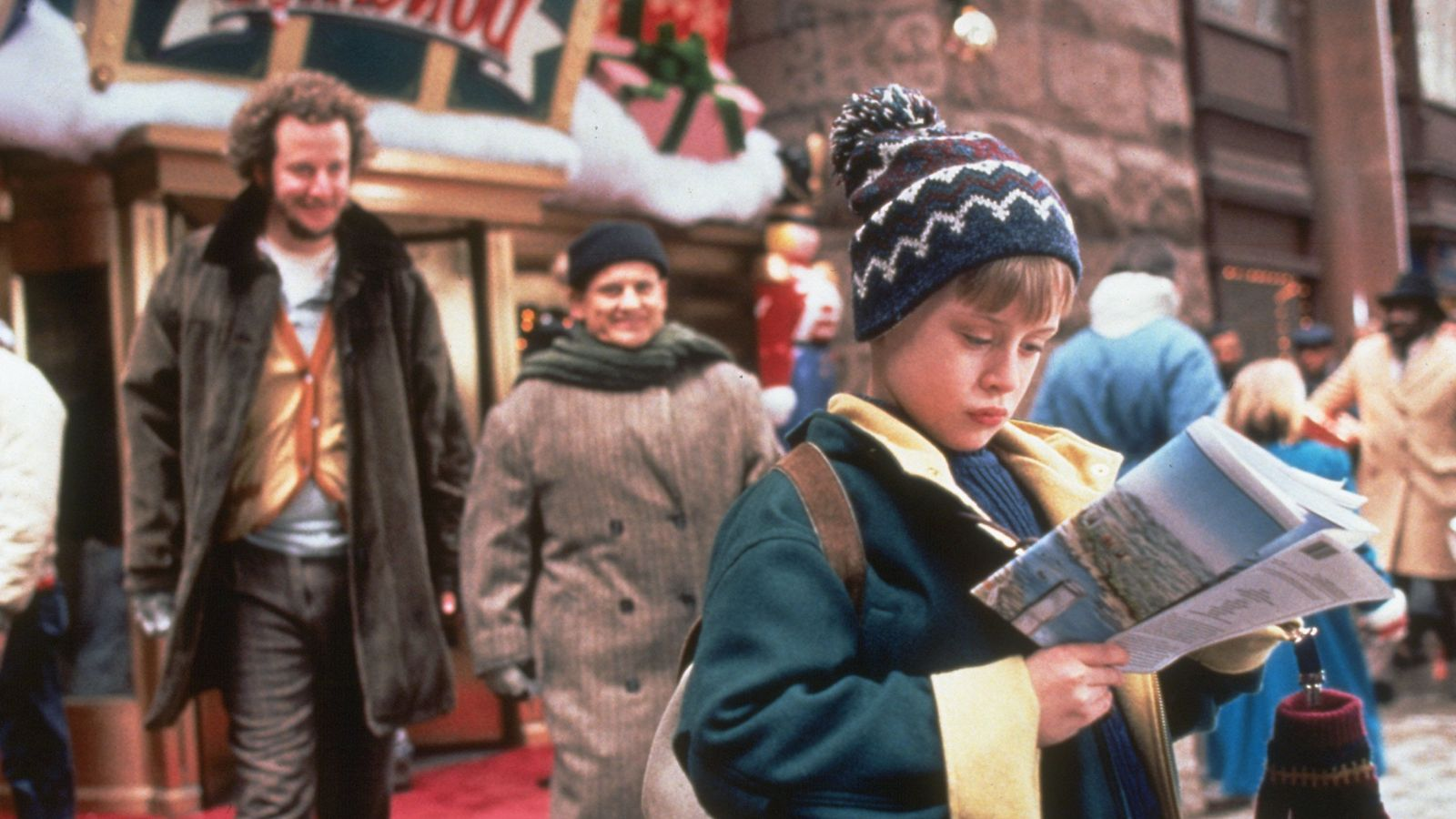 Broadcaster defends decision to cut Trump's Home Alone 2 cameo - EpicNews