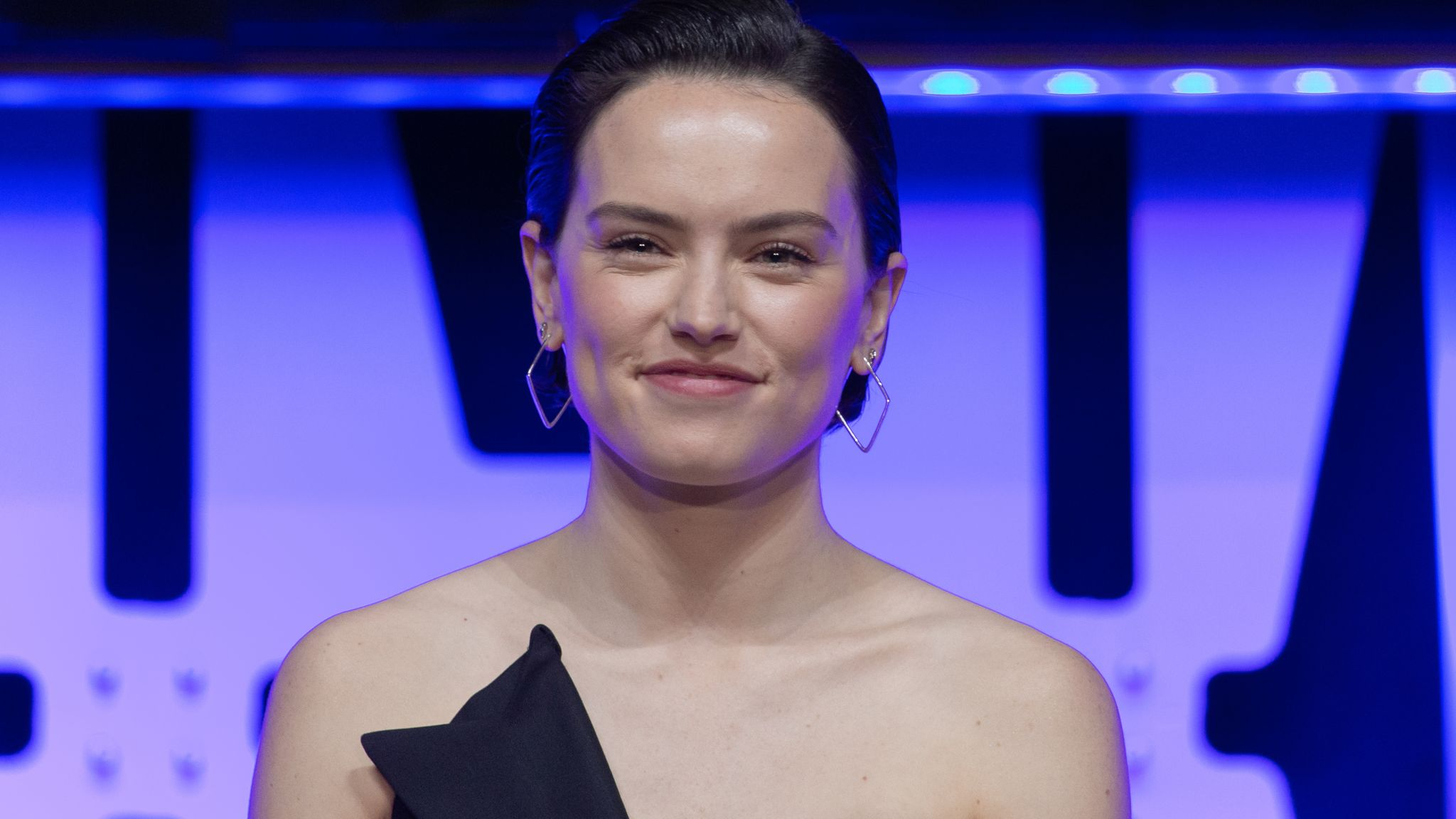 Star Wars actress Daisy Ridley criticised for 'denying privilege'