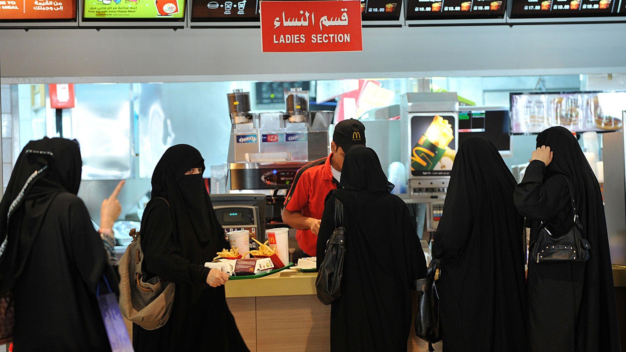 Saudi Arabia lifts ban on segregating women and men in restaurants
