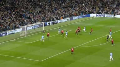 De Gea keeps United in front (86)