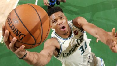 Giannis hangs 32 points on Magic