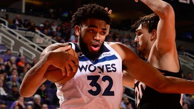 Towns lights up Suns for 33 points