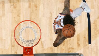 Oubre soars for breakaway slam