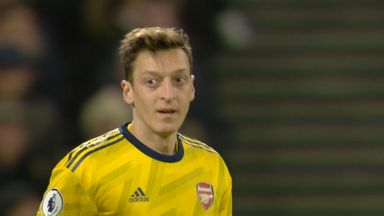 Ozil heads over from close range (33)