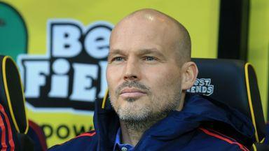'Ljungberg looks like he wants out'
