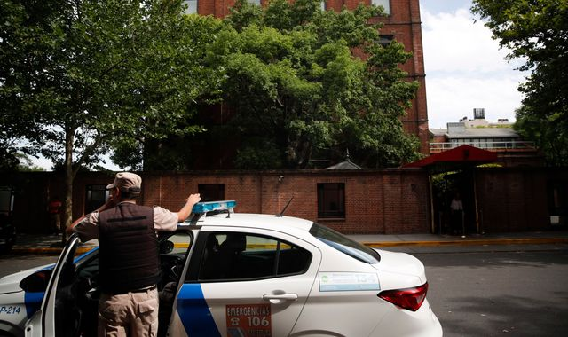 Argentina: British father killed and step-son injured in Buenos Aires robbery, reports