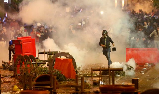 Lebanon clashes continue as resigned PM expected to be given job back
