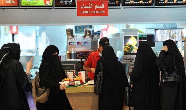Saudi Arabia relaxes gender segregation rules in restaurants