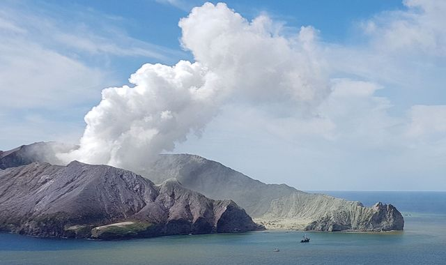 New Zealand volcano: Fears of new eruptions on island where eight people still missing