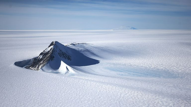 A section of the West Antarctic Ice Sheet with mountains