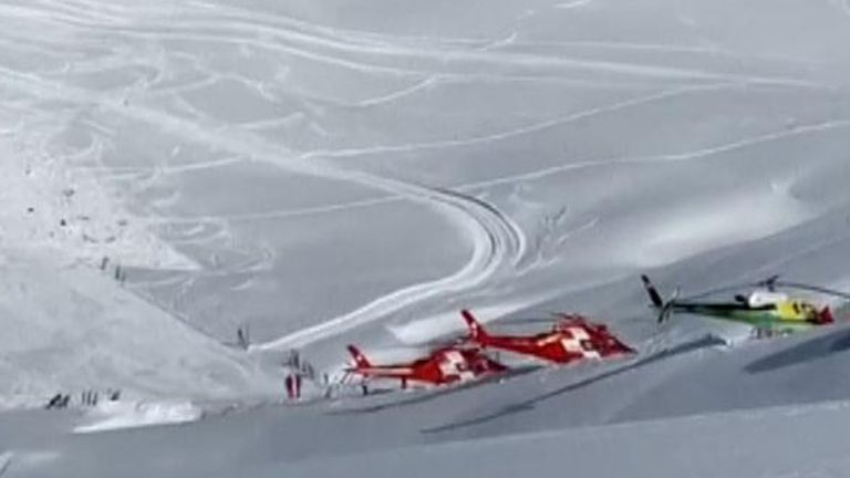 Rescue helicopters near the Swiss town of Andermatt. Pic: 20MINUTEN SWITZERLAND