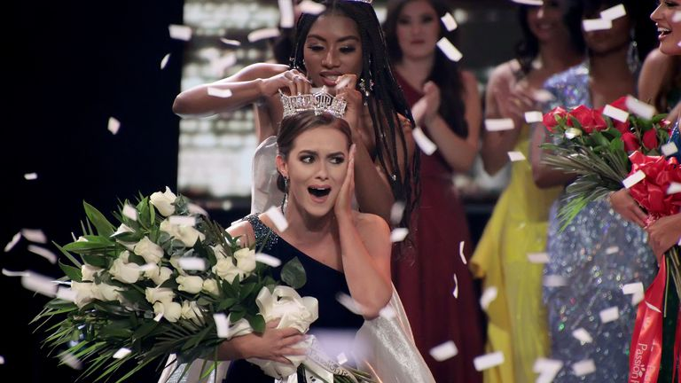 Nia Franklin crowns Miss Virginia 2019, Camille Schrier