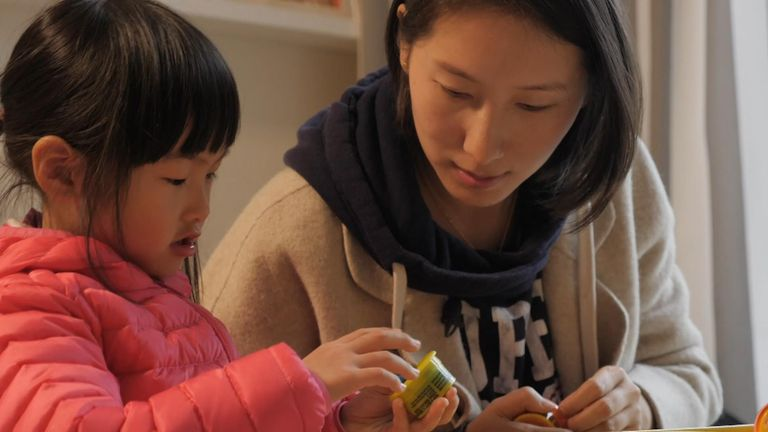 Fang Jing is a 34-year-old entrepreneur who lives in Shanghai. She has one daughter.