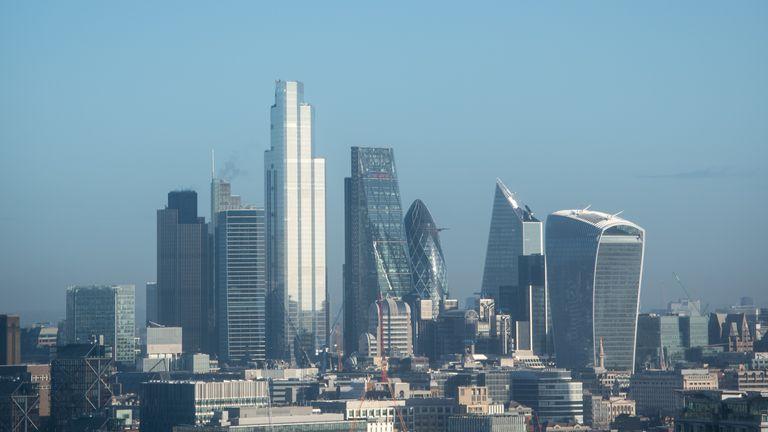نمای کلی از خط افق لندن ، همانطور که از برج میلبانک دیده می شود
