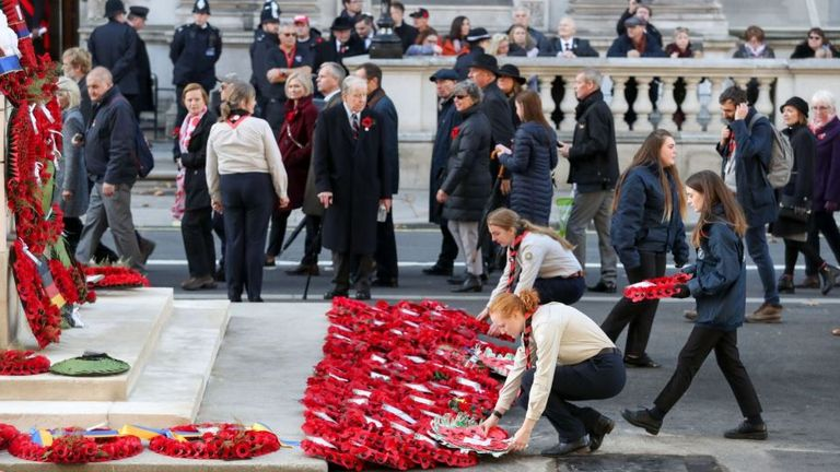 The 100th anniversary of the end of the First World War was marked by a wreath-laying ceremony at the Cenotaph.