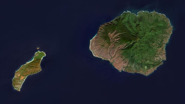 An enhanced satellite of the Hawaii islands of Kauai (r) and Niihau