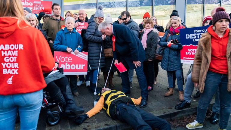 Labour Party chair Ian Lavery spoke to the campaigners