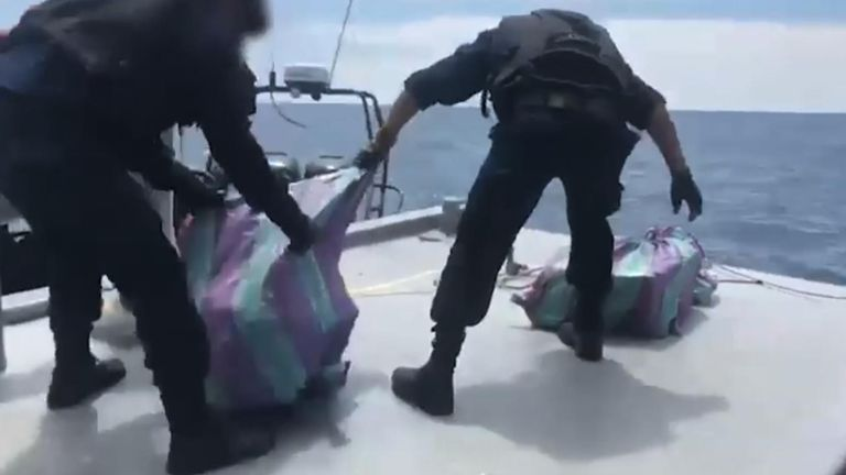 Peru police seize two tons of cocaine