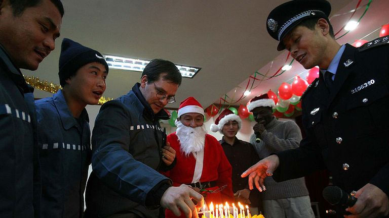 The foreign prisoners unit at Shanghai Qingpu Prison celebrating Christmas in 2005