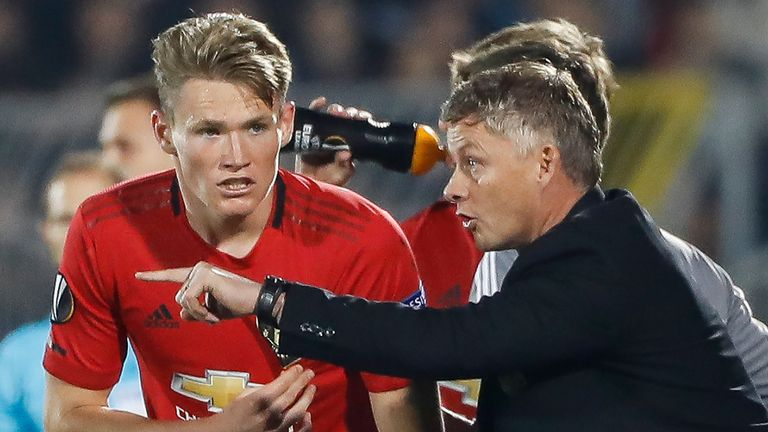 Ole Gunnar Solskjaer instructs Scott McTominay in Manchester United's Europa League game vs Partizan