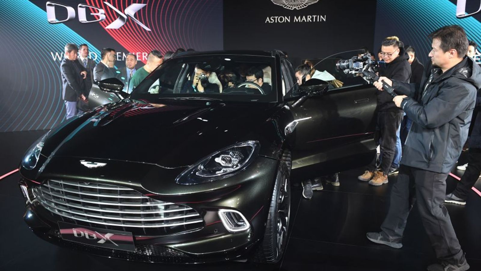 Aston Martin steers Mercedes partnership to boost recovery