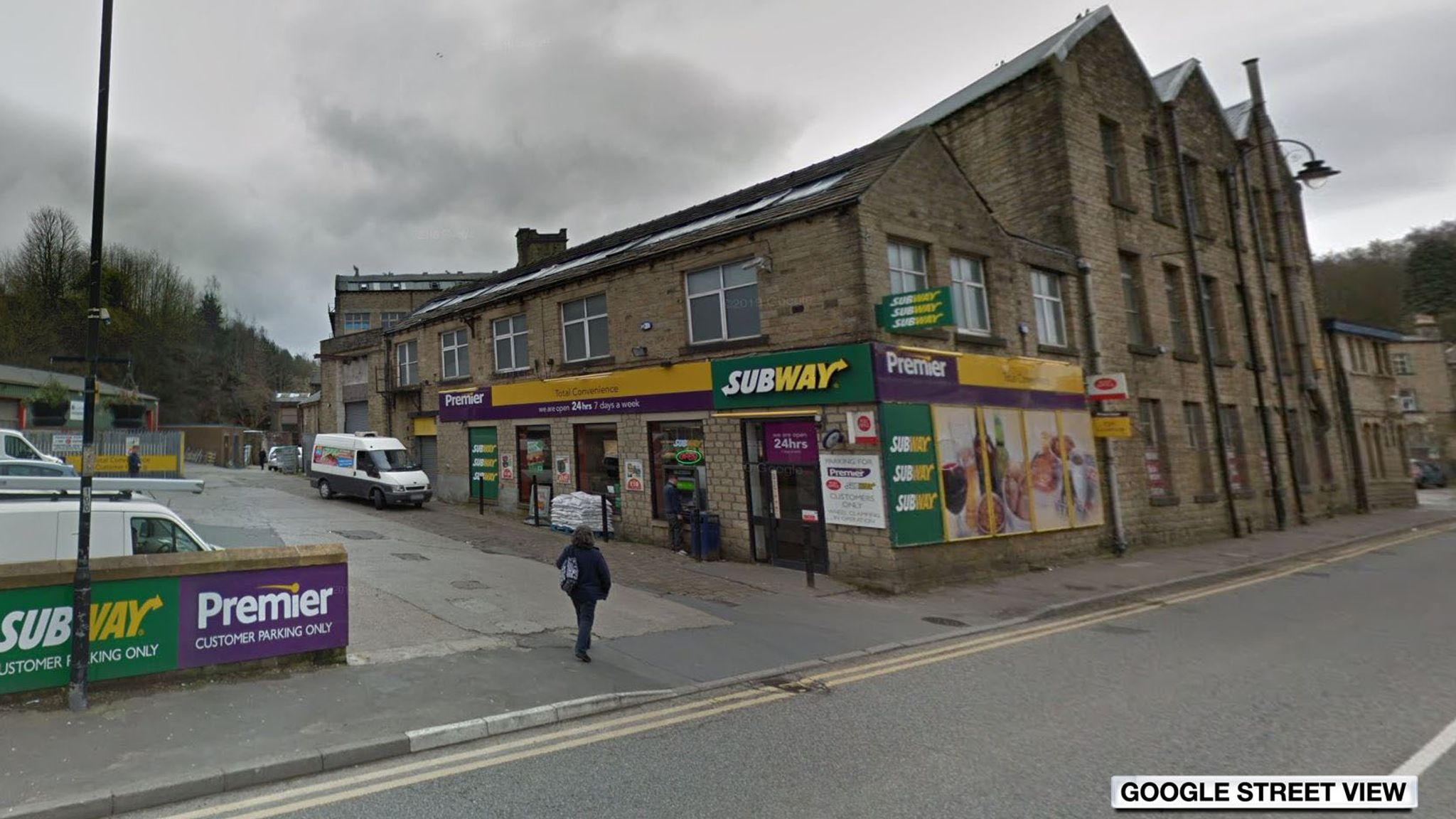 Huddersfield: Five arrested after one man is killed in attack