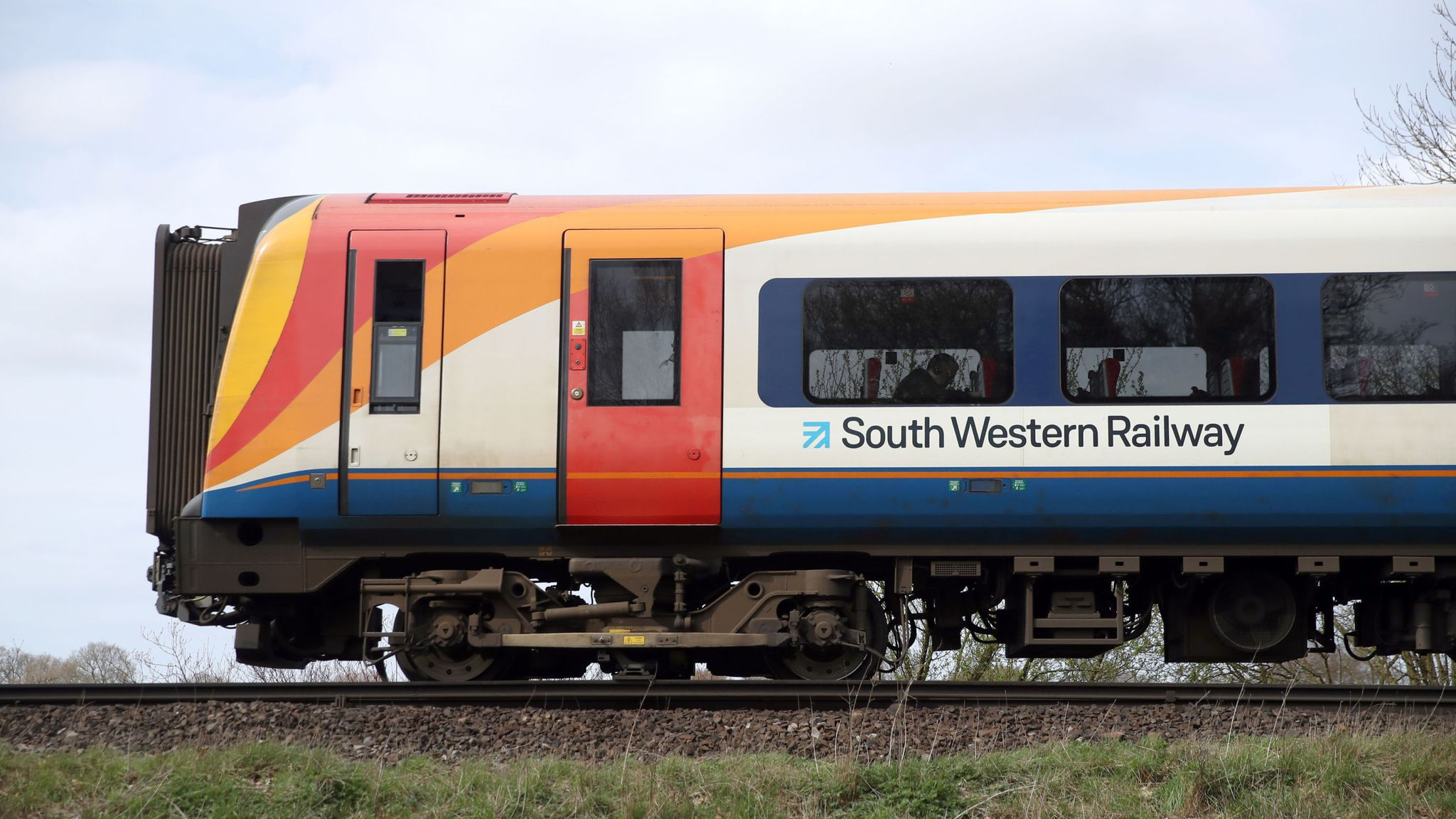 """South Western Railway 'not sustainable in the long term"""", Grant Schapps says"""