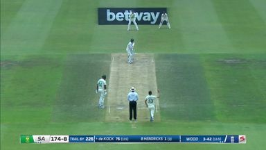 de Kock bowled out by Wood beauty