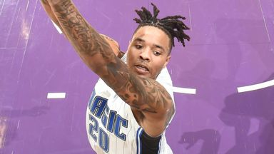 Fultz dazzles Lakers defenders to score