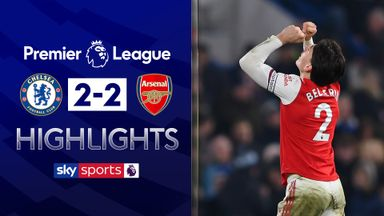 10-man Arsenal fight back to earn point