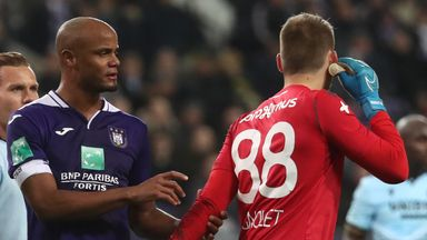 Kompany angrily confronts his own fans