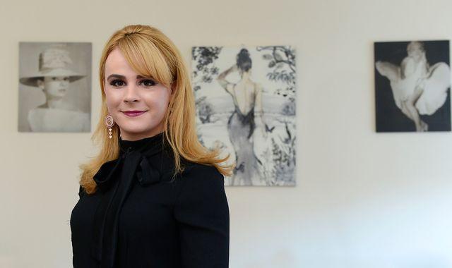 Debenhams: Transgender woman awarded £9,000 in discrimination settlement