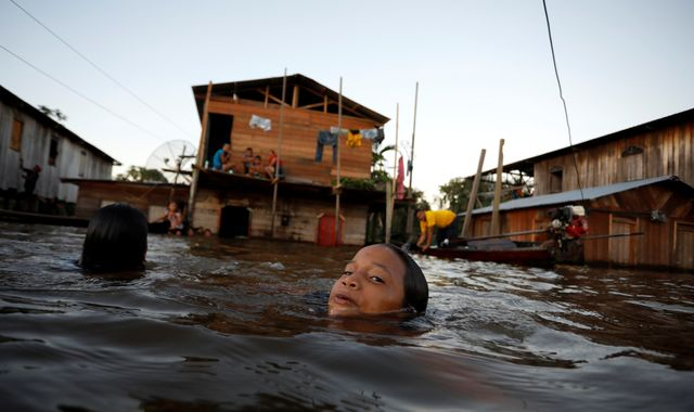 Brazil: 30 killed in flooding and landslides after two days of torrential rain