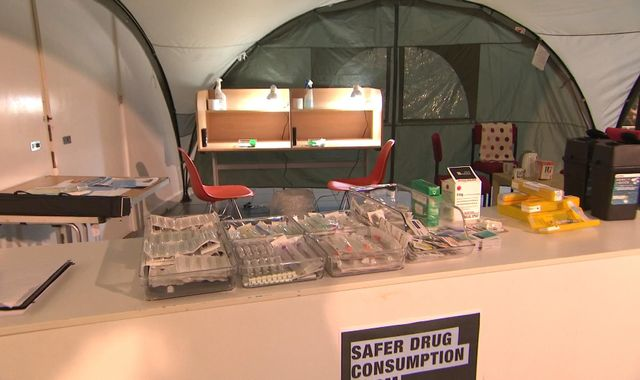 Heroin and cocaine can be injected legally in UK's first 'mock drugs room'