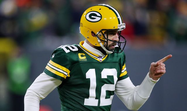 Seattle Seahawks 23-28 Green Bay Packers: Aaron Rodgers holds off Russell Wilson comeback