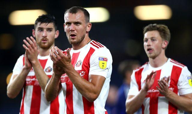 Sunderland place players and backroom staff on furlough leave