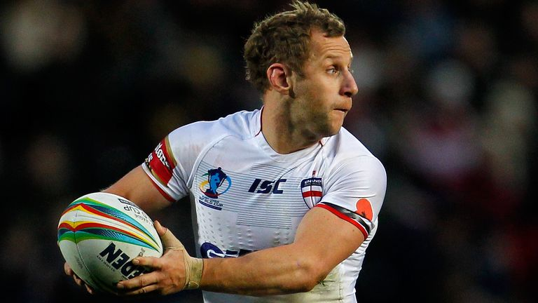 HULL, ENGLAND - NOVEMBER 09: Rob Burrow of England in action during the Rugby League World Cup Group A match at the KC Stadium on November 9, 2013 in Hull, England. (Photo by Paul Thomas/Getty Images)