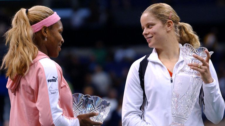 Fifth-seeded Belgian player Kim Clijsters (R) consoles top-seeded US player Serena Williams after beating her 7-5, 6-3 in the WTA Championship final, in Los Angeles, CA, 11 November 2002.    AFP PHOTO/Lucy NICHOLSON (Photo by LUCY NICHOLSON / AFP) (Photo by LUCY NICHOLSON/AFP via Getty Images)