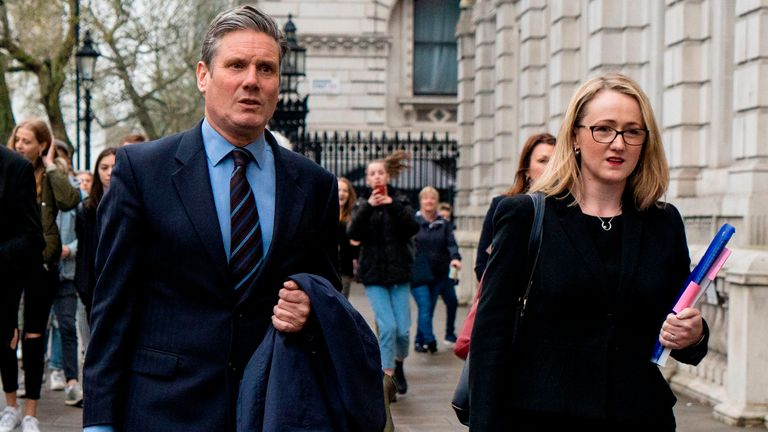 Labour's Brexit spokesman Keir Starmer (L) arrives with shadow Secretary of State for Business Energy and Industrial Strategy, Rebecca Long-Bailey at the cabinet office for Brexit talks in London on April 9, 2019. (Photo by Niklas HALLE'N / AFP)        (Photo credit should read NIKLAS HALLE'N/AFP via Getty Images)