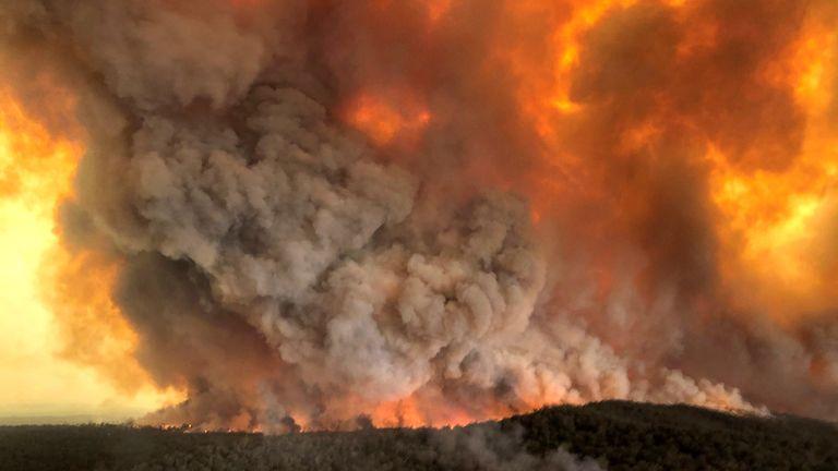 Bushfires in Bairnsdale, Victoria. Pic: Glen Morey/Reuters